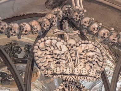 bone-decorations-sedlec-ossuary-1024x768