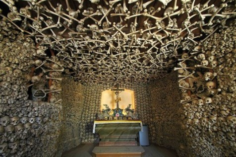 Czermna_-_Chapel_of_Skulls-537x357