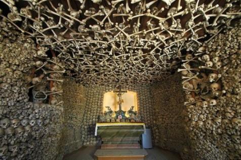 Czermna_-_Chapel_of_Skulls-537x357