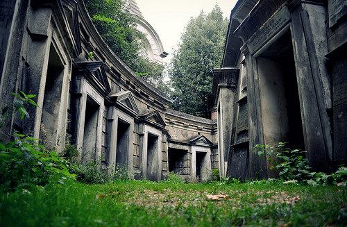 highgate-cemetery-lebanon