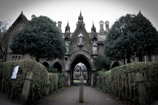 Highgate-Cemetery-Place-Of-Burial-Wallpaper