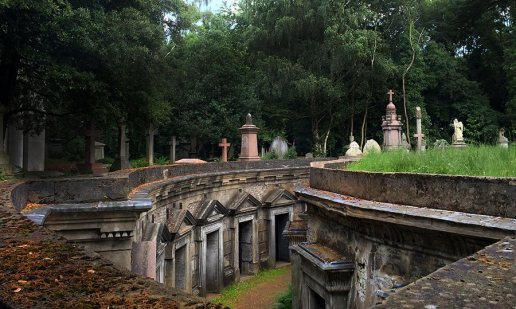 Highgate_Cemetery_West_2